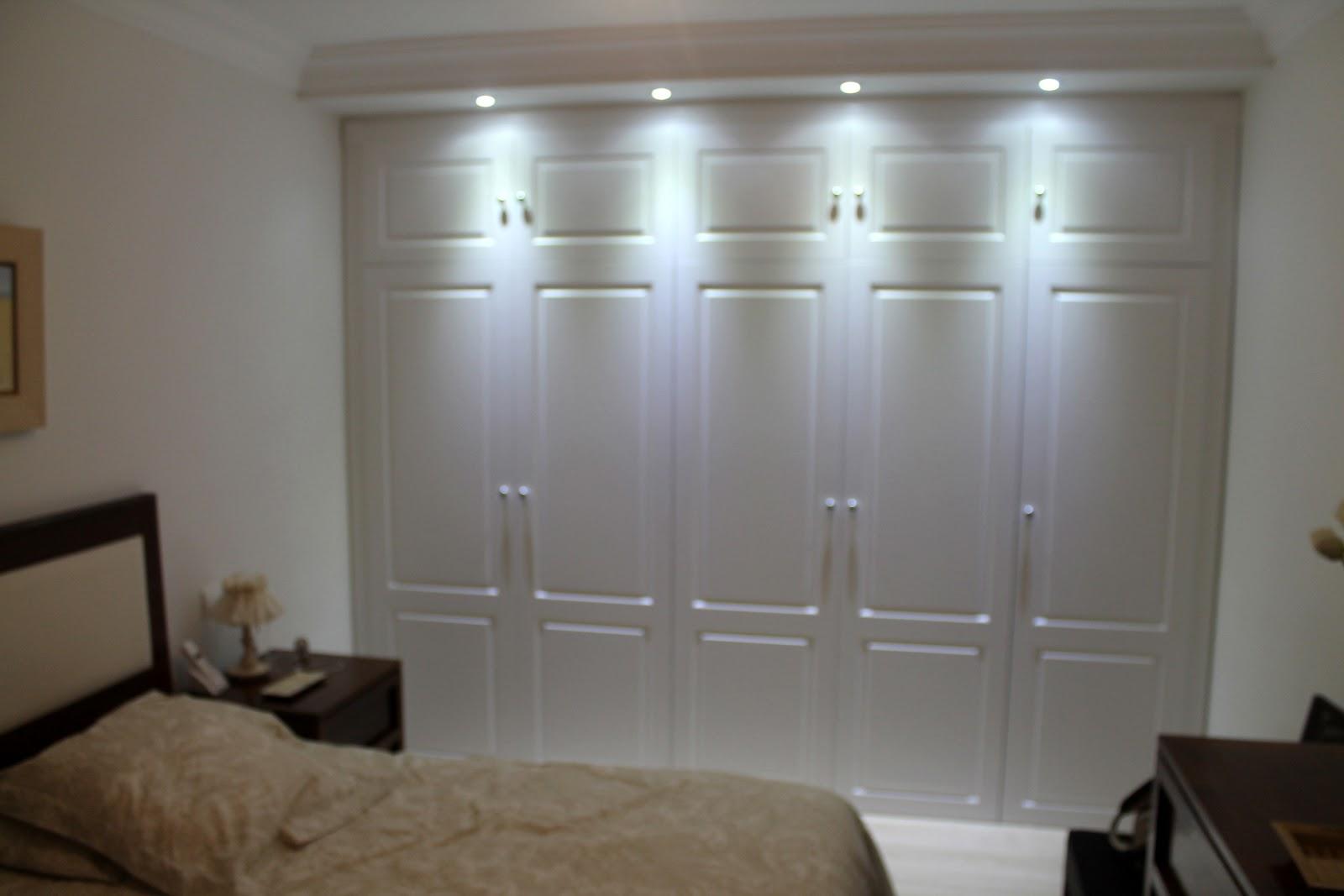 Frente de armario lacado en blanco con puerta abatible - Armarios en blanco ...