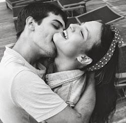 pones a una persona por encima de tu felicidad.