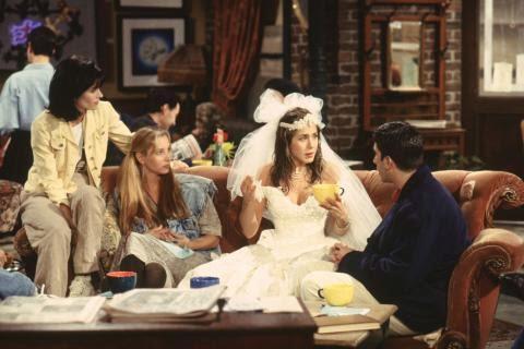 Rachel vestida de novia