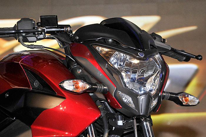 The New Pulsar 200NS - What A Bike  (Note Its Indian Bike Not Available In Pakistan) - Bajaj Pulsar 200NSHDLYT