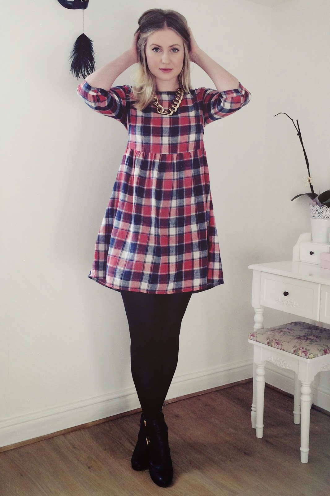 FashionFake, fashion bloggers, UK fashion blog, Primark tartan dress