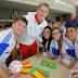 Jovens brasileiros passam o dia com Neuer, Schweinsteiger, Ribéry e Dante no Bayern