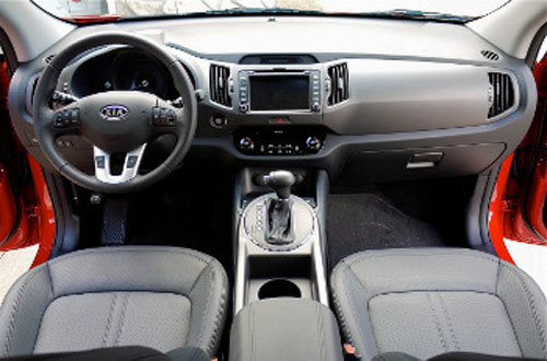 South Korean Siblings Hyundai And Kia Are Industry Pacesetters For Standard  Features And The 2011 Kia Sportage Is A Fine Example.
