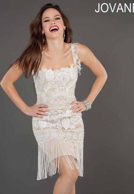 Къса рокля от дантела с ресни