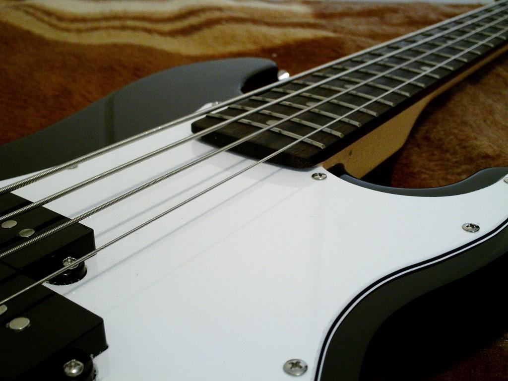 The Harley Benton Pb Shorty Guitar Dreamer Passive Tone Controls Explained Ebass Cheers Thanos