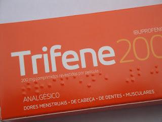 A dose ideal de ibuprofeno para tratar as dores menstruais (TPM)