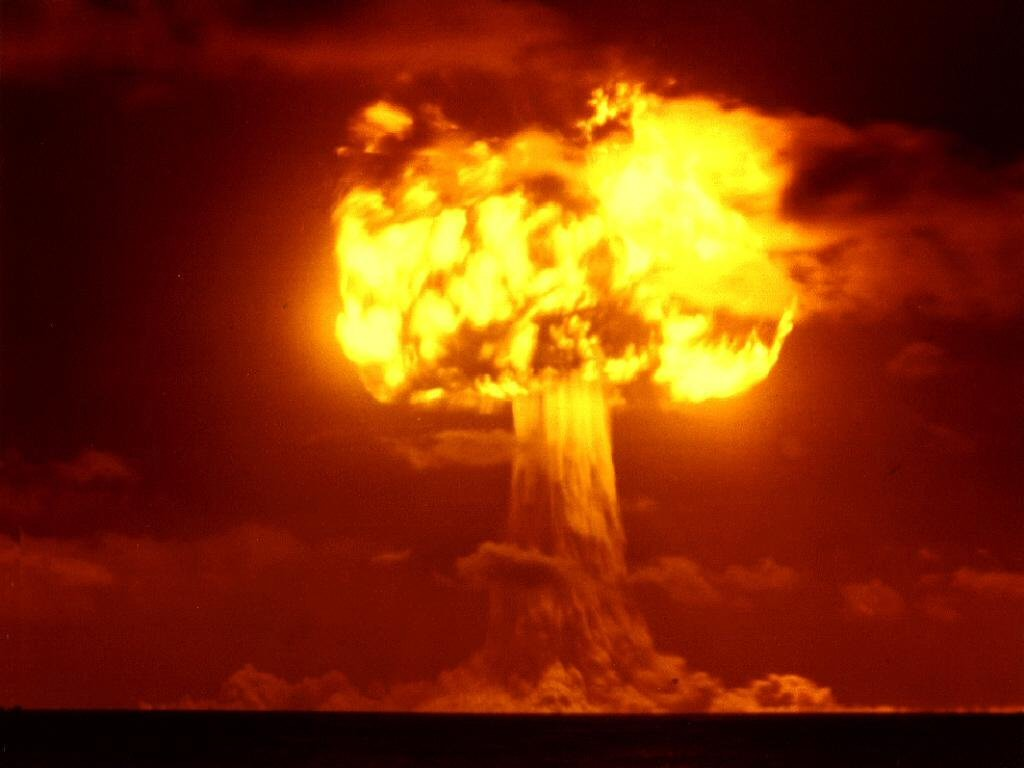 http://1.bp.blogspot.com/-RM6cHwD1oXo/UOGWv-xQ4EI/AAAAAAAAAP4/ac4USAkm8ds/s1600/nuke+blast+wallpaper.jpg