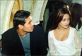 John abraham and Ex girlfriend Riya Senborder=