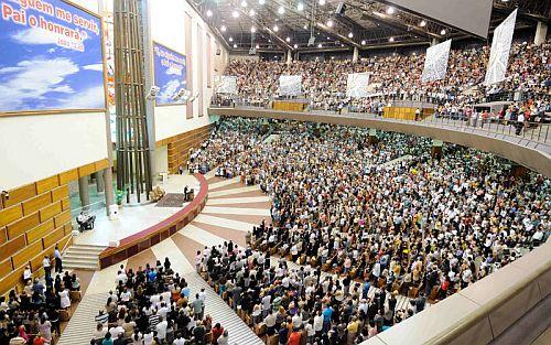 iglesia universal do reino deus: