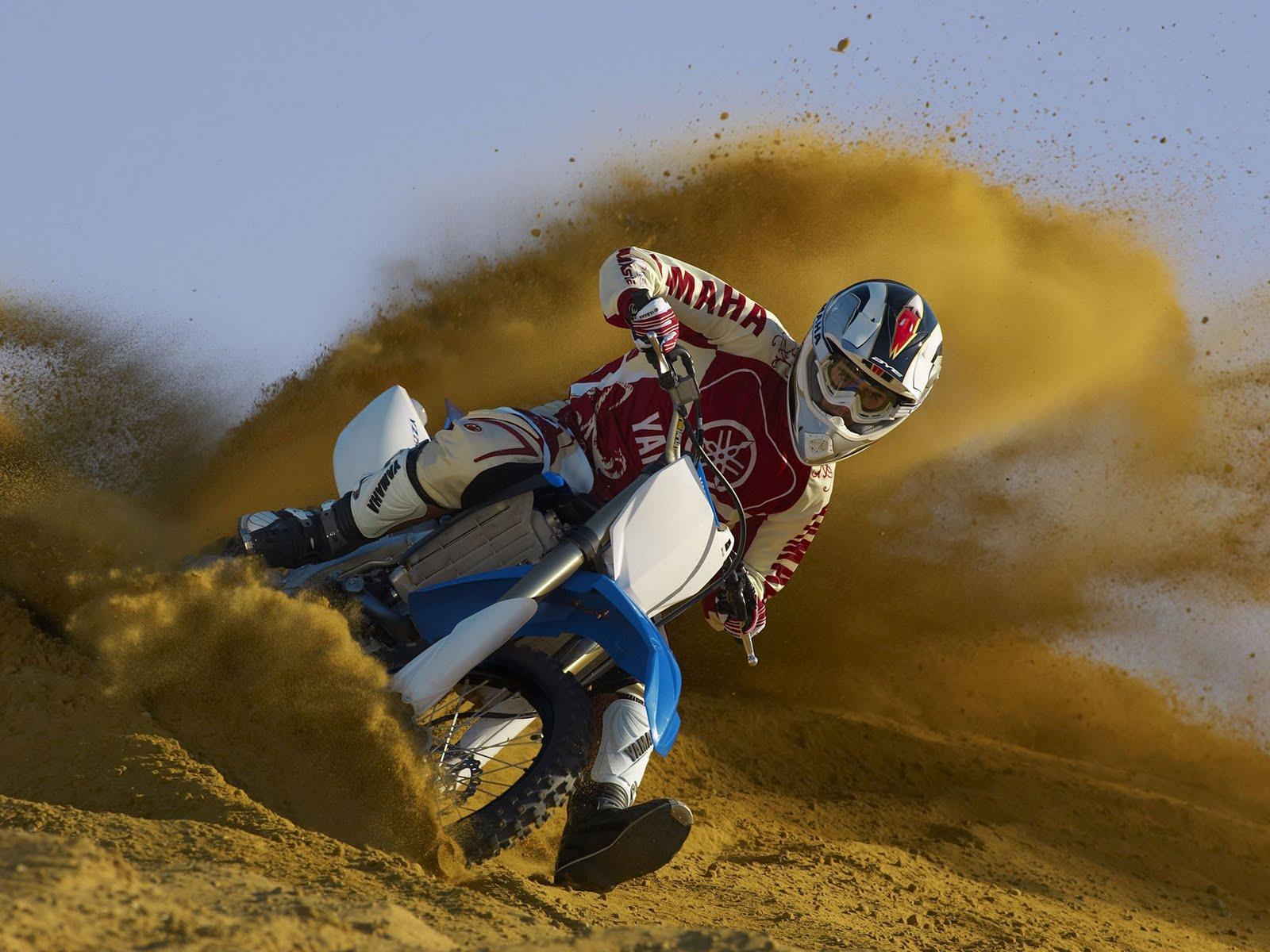 http://1.bp.blogspot.com/-RMb9NaLBOfQ/TefJ1VXUp-I/AAAAAAAABC8/r0R6YA_n0XQ/s1600/2011-Yamaha-YZ250F-First-Ride.jpg