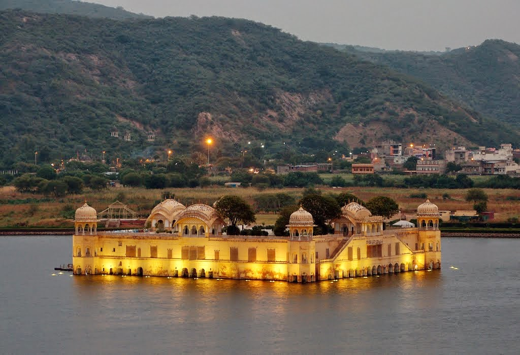 water-palace-jaipur-inde