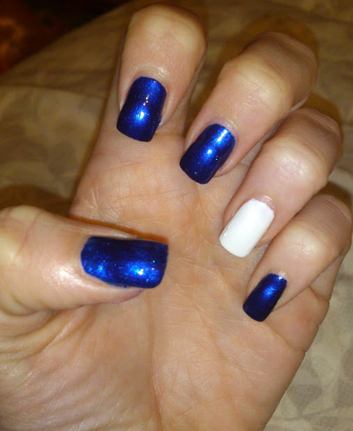 easy . nail art polka dot