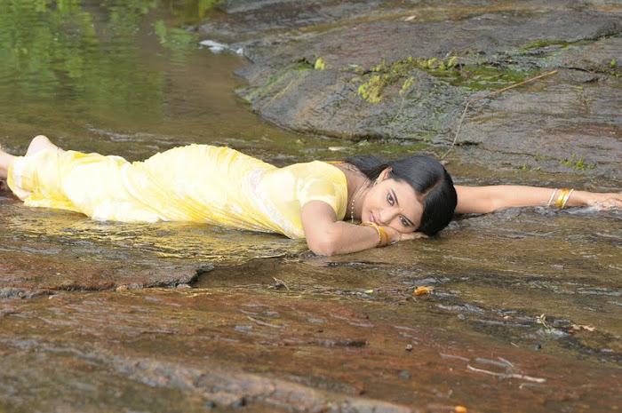 kadhalai kadhalikkiren movie anjali joyi saree unseen pics