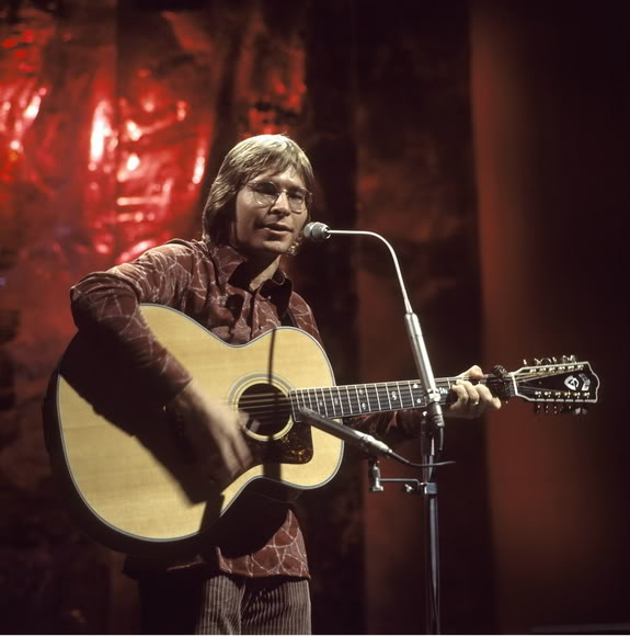 the first half of this is all christmas songs then it becomes a typical john denver show and thats not all bad the sound quality is pretty good but it did - John Denver Christmas Songs