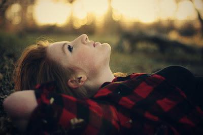 Às vezes sinto falta... às vezes acho que é um alívio estar longe. (Caio F. Abreu)