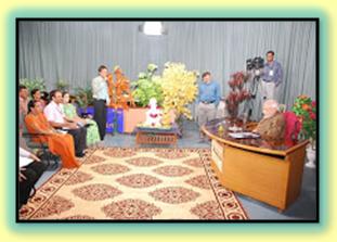 ગુજરાત રાજ્યના મુખ્યમંત્રીશ્રીને પ્રશ્ન પૂછતા અમારી શાળાના શિક્ષકશ્રી...