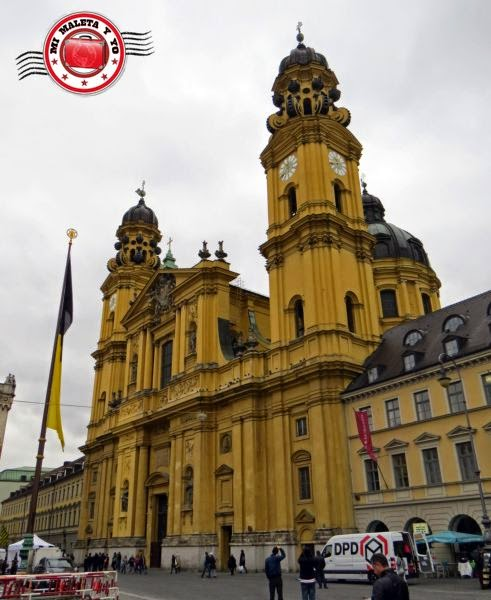 Munich - Iglesia de los Teatinos en Odeonsplatz