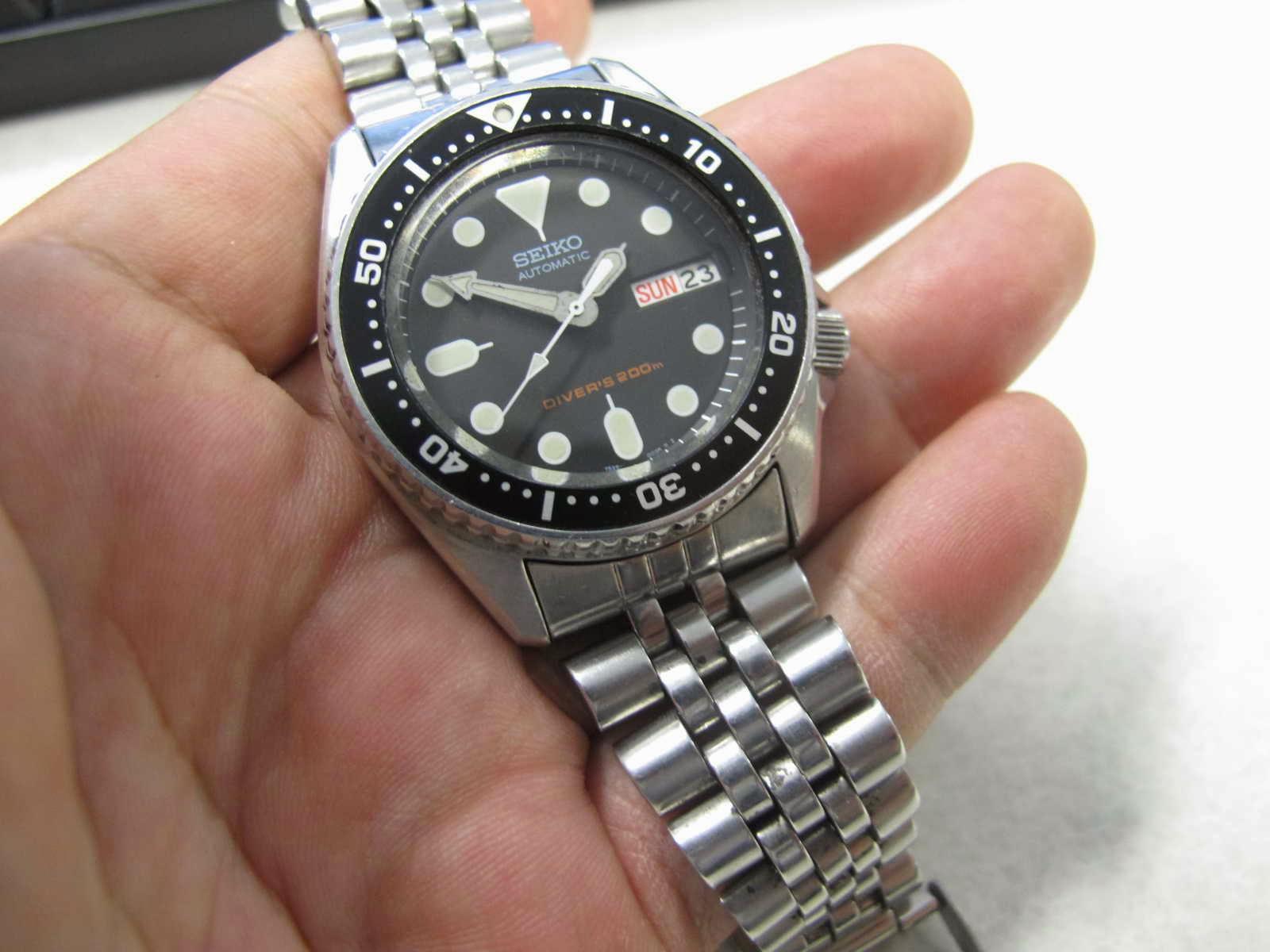Cocok untuk Anda yang sedang mencari jam tangan Diver dengan ukuran pas di tangan Anda atau Anda mau memberikan ke kekasih Anda ya monggo