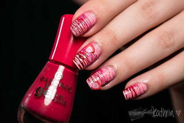 http://rainpow-nails.blogspot.de/2015/08/candy-einmal-extra-erdbeersauce-bitte.html