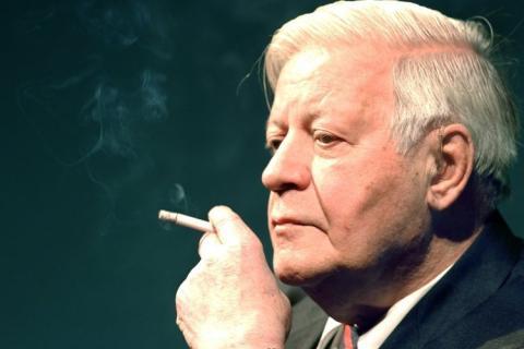 Den gamle tyske förbundskanslern Helmut Schmidt är en av mina politiska idoler. Han efterträdde Willy Brandt 1974 efter att denne tvingades avgå, ... - helmut%2Bschmidt%2Bzitate