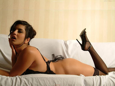 Sunny Leone Glamor HD Wallpaper-07-1600x1200