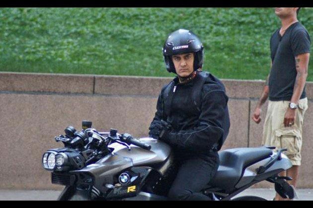 Dhoom 3 Aamir Khan stunt bike