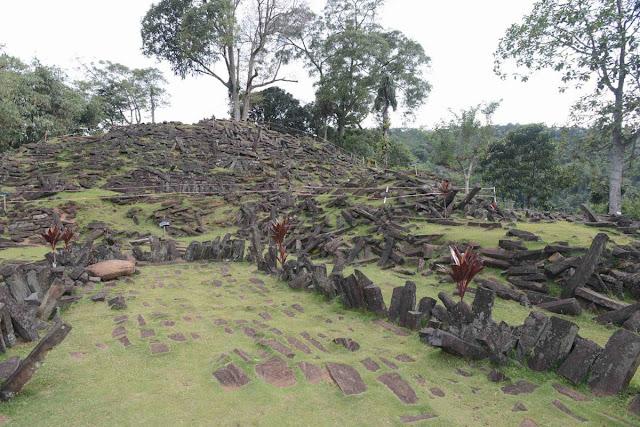 Civiltà preistoriche dell'era glaciale Gungung-Padang-16
