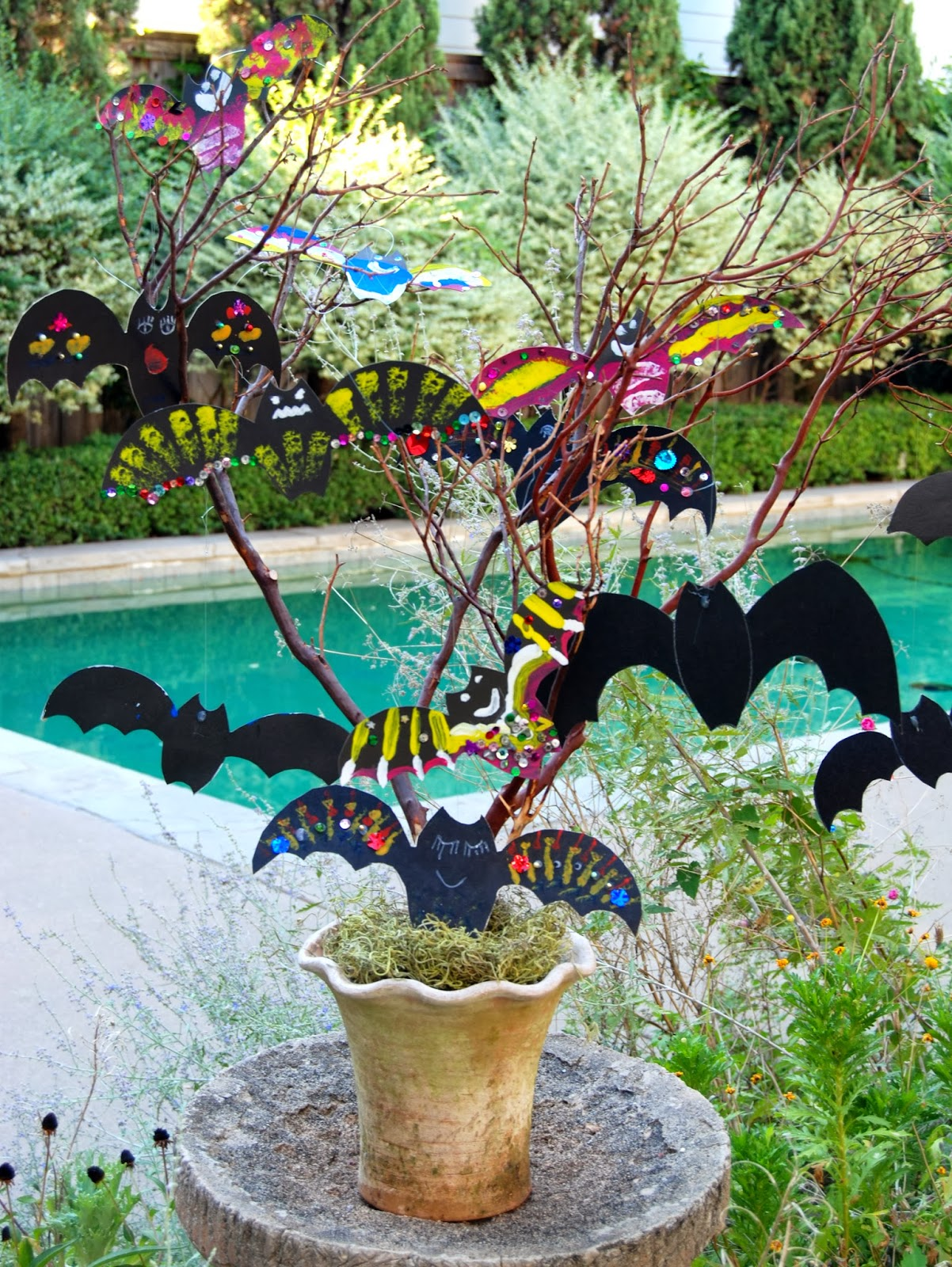 Handmade Bats in a Tree for Halloween; DIY