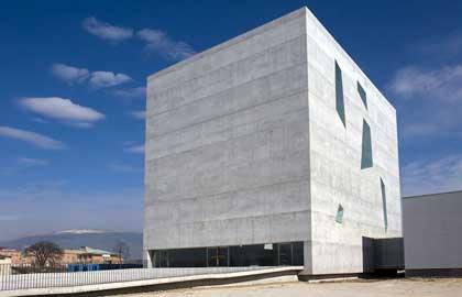 Servite domino in laetitia che fare delle brutte chiese for Architettura contemporanea barcellona