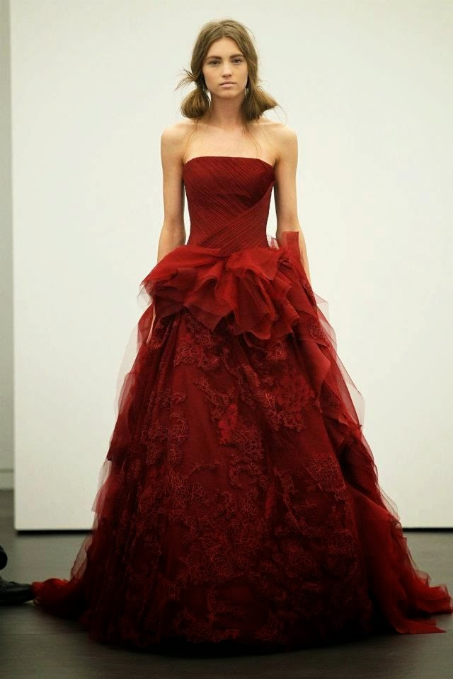Taylor made soir es panetone color of the year marsala for Red wedding dress vera wang