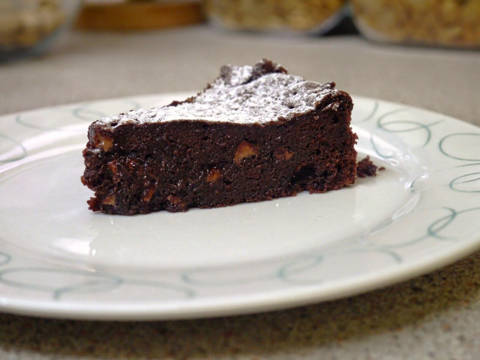 ... Muslim Girl Bakes: Double Chocolate Flourless Cake with Vanilla Cream