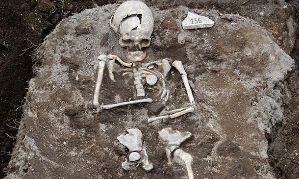 Sepultura de vampiro encontrada na Bulgária