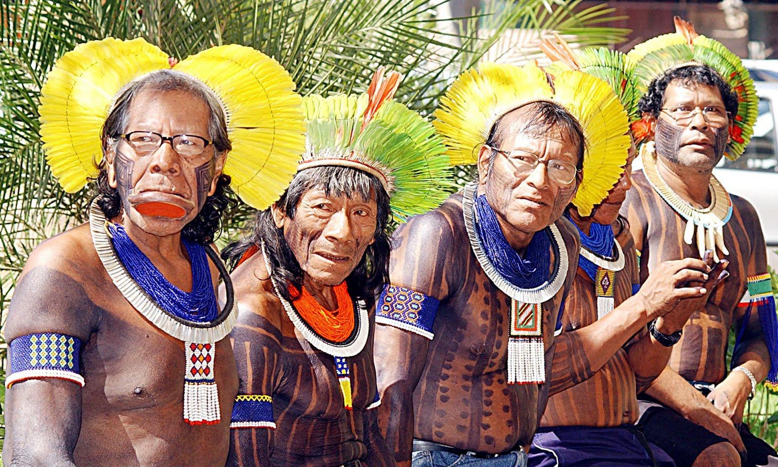 Resultado de imagem para muito cacique pra pouca tribo