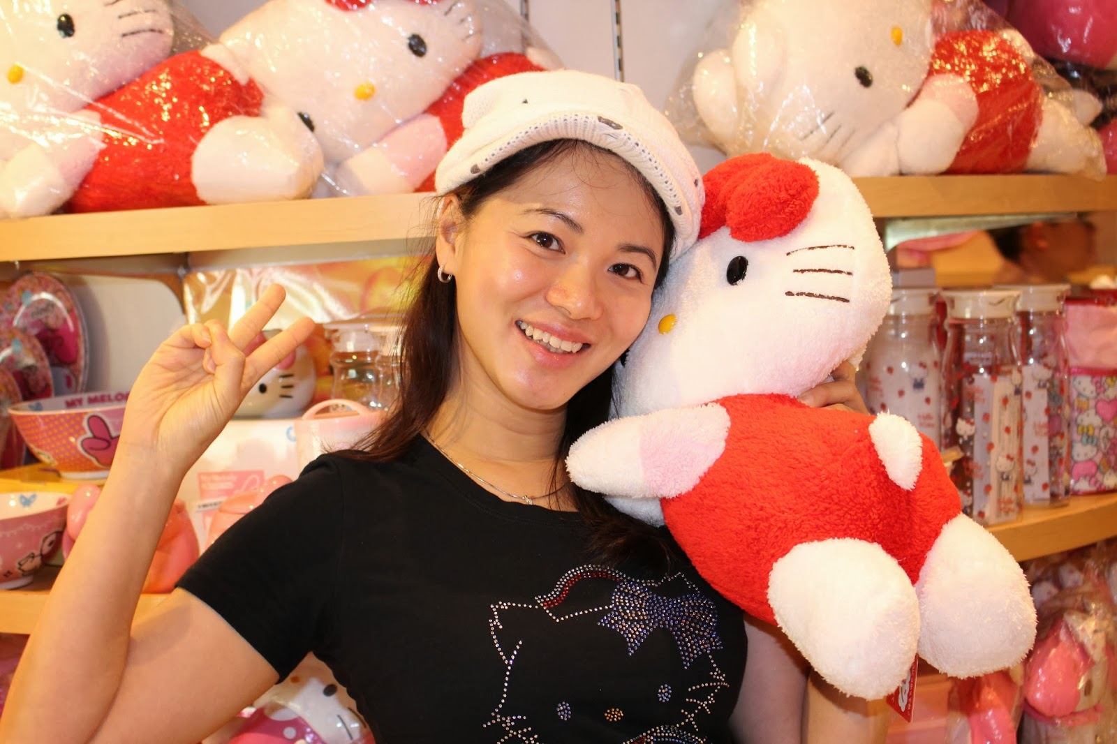 hello kitty outlet Gallery