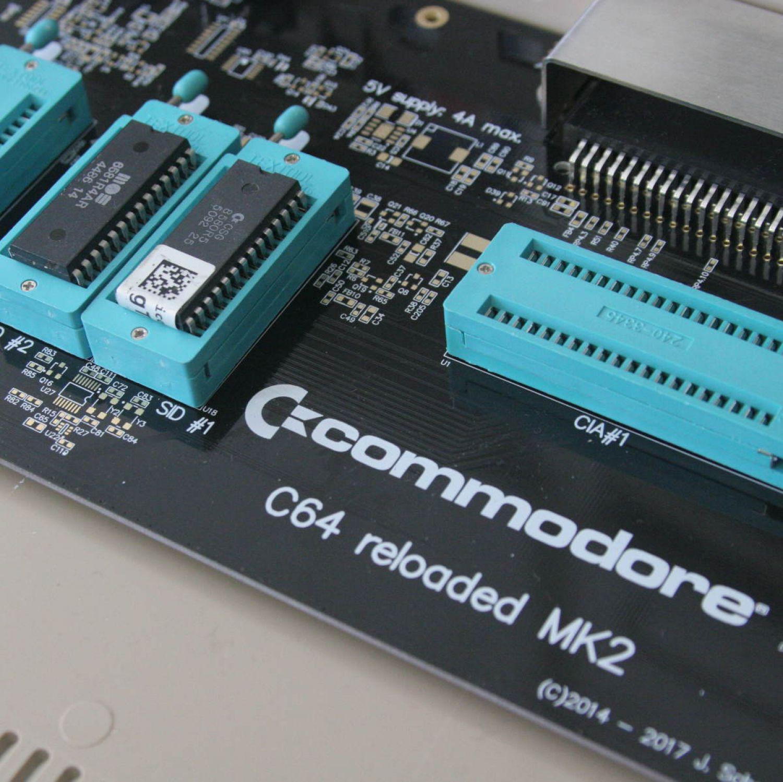 C64 MK2  marchio commodore ufficiale