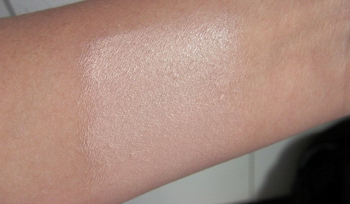 maxfactor skin luminizer foundation light ivory swatch