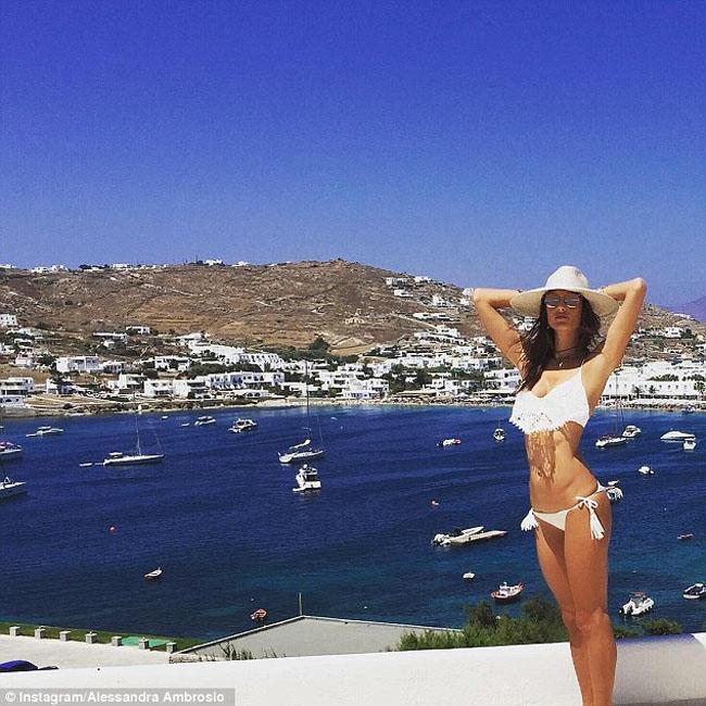 alessandra ambrosio white bikini blue sea