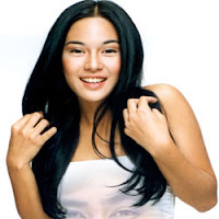 gaya model rambut panjang mengkilat
