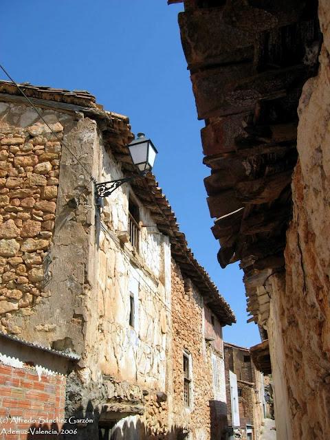 ademuz-calle-caserio-antiguo