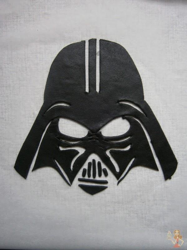 Decorate Darth Vader Eilton Cake
