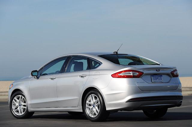 фотографии Ford Fusion 2013