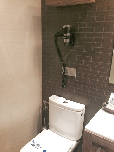 hotel_aroi_ponferrada_gisela_lopez_ordoñez_missdownpour_baño
