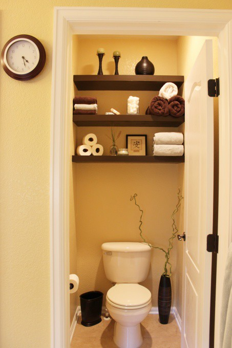 Half bath shelving 2paws designs for Decoration toilette
