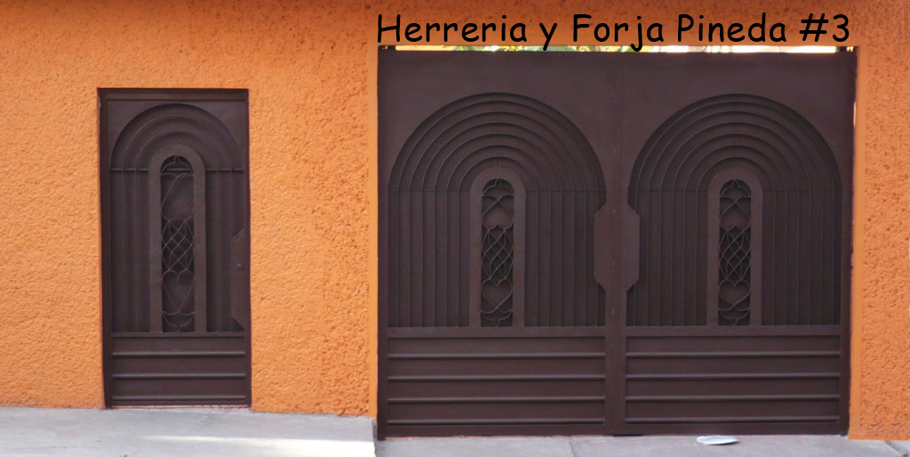 Puertas y portones residenciales madera y hierro car for Puertas de hierro y madera