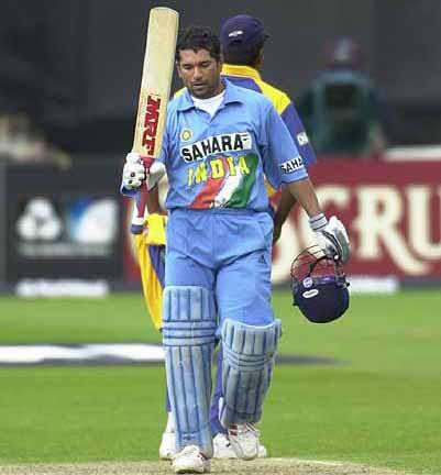 cricket world cup 2011 final images. sachin world cup 2011 final