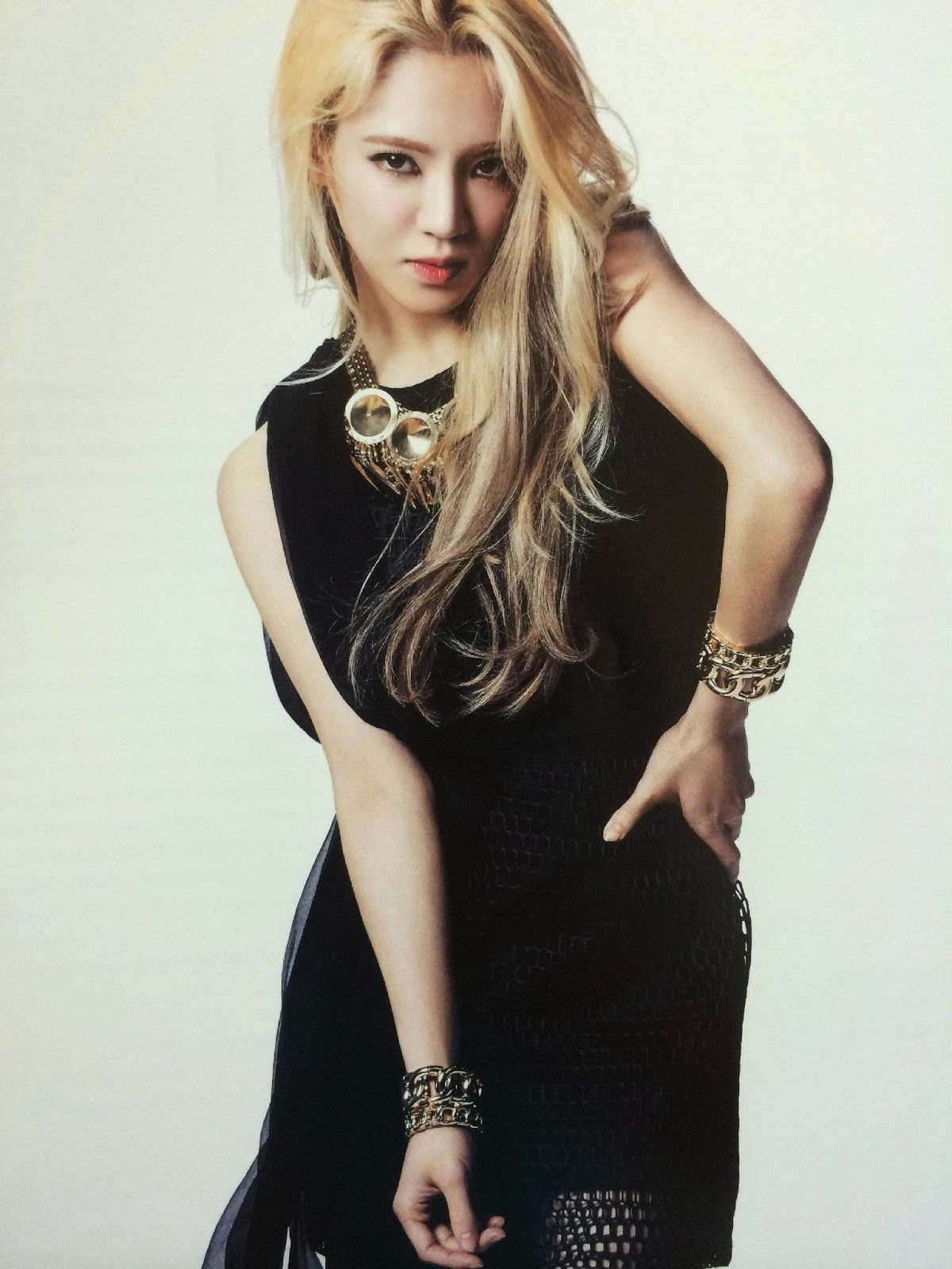 SNSD Hyoyeon (효연; ヒョヨン) Girls Generation The Best Scan Photos 2