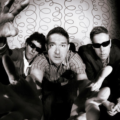 Beastie Boys, Don't Play No Game That I Can't Win feat. Santigold