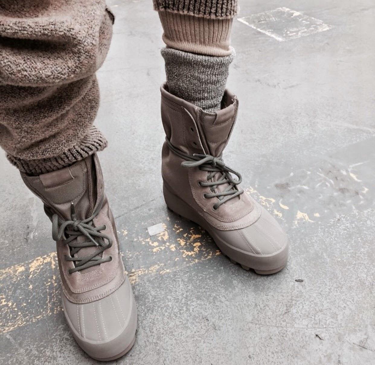 Kanye West SS15 via la modella mafia