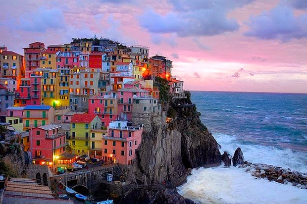 World's 10 most colorful cities - Cinque Terre, Italy picture