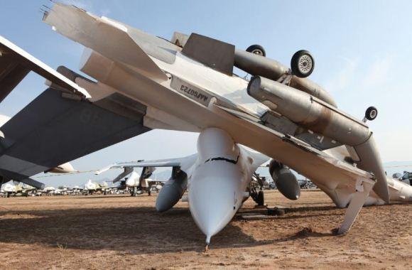F-16 menimpa F-16
